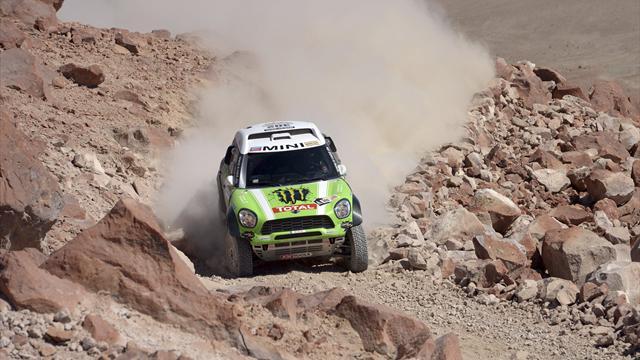 Cars: Al-Attiyah woe sees Peterhansel extend Dakar lead