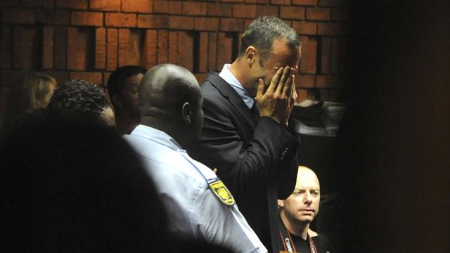 Pistorius disputes Steenkamp murder charge