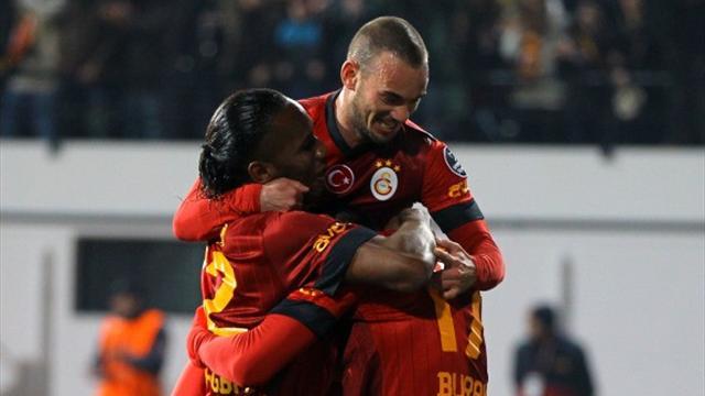 Drogba debuta con gol desde el banquillo