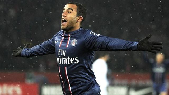 Lucas Moura celebrando el gol