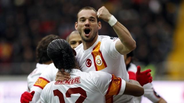 Kayserispor-Galatasaray: Mourinho puede tener miedo (1-3)