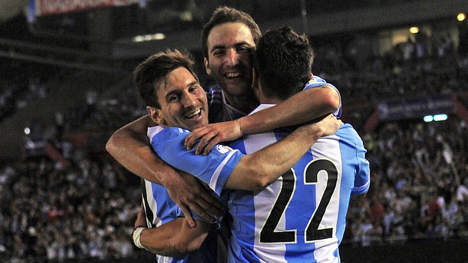 Argentine lionel messi et gonzalo higuain crasent le - Classement qualification coupe du monde ...