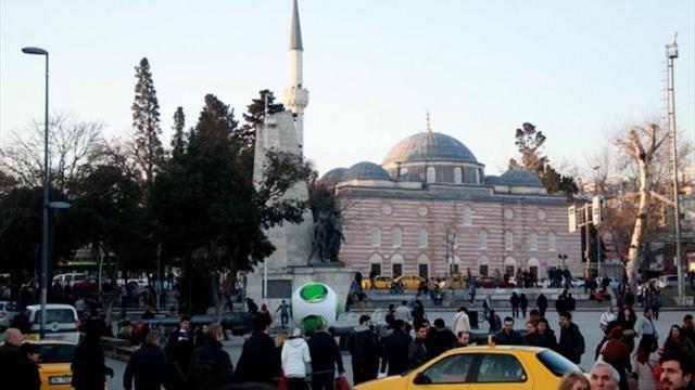 Cafusa Beşiktaş Meydanı'nda