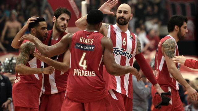 Olympiakos storm past Madrid to retain Euroleague title