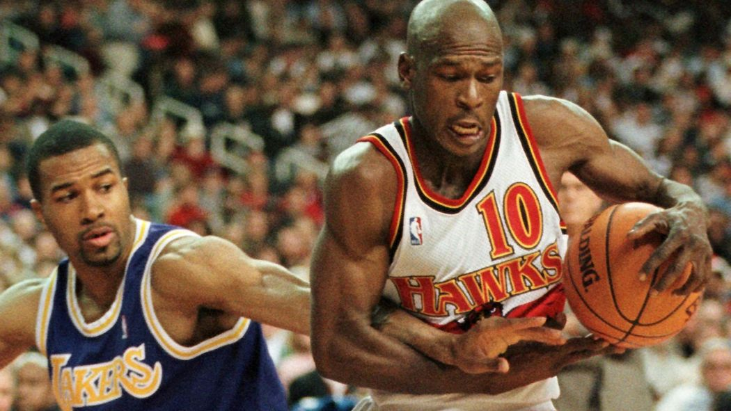 3777d8a36 Former NBA star Mookie Blaylock on life support after crash ...