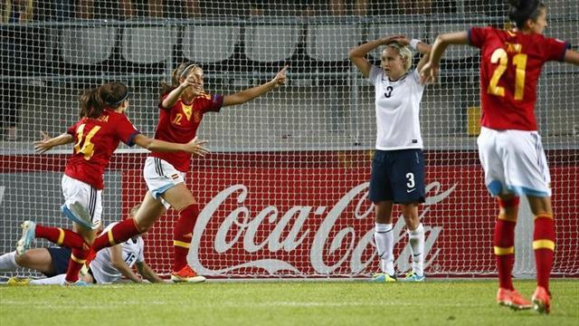 Inglaterra-España: Alexia remata el debut soñado (2-3)