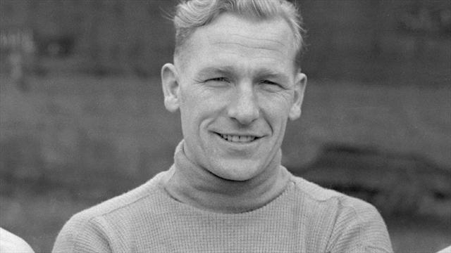 Manchester City hero Trautmann dies aged 89