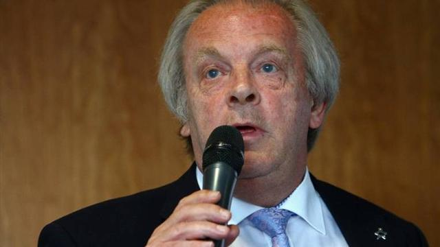 Президент профсоюза футболистов Англии расщедрился и поднял себе зарплату на 1 миллион евро