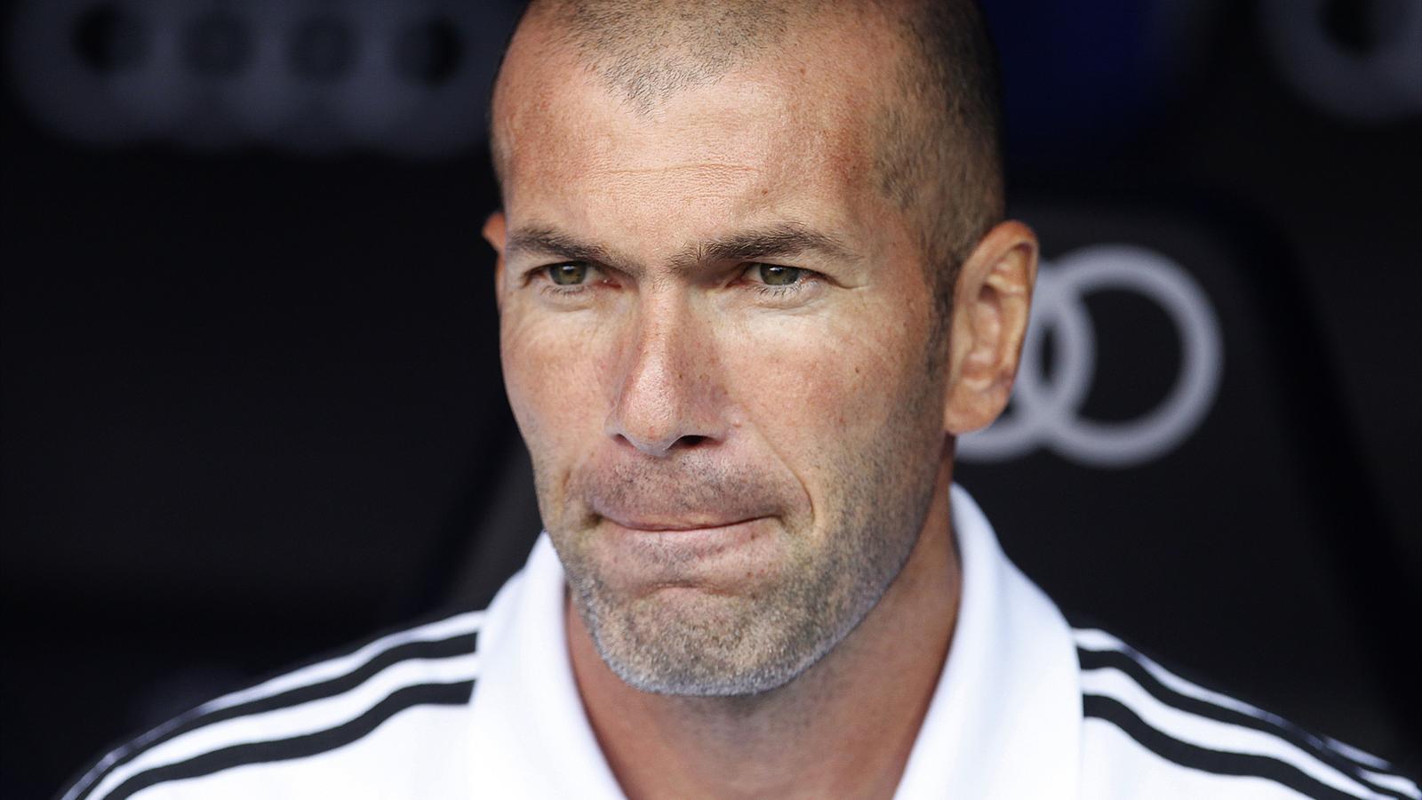 Ballon d'Or : Zinédine Zidane trouve normale l'élection de CR7 mais entend clarifier les critères