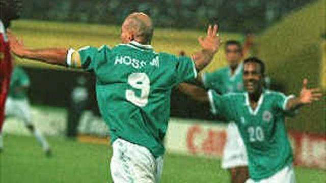 """نجوم عرب أطلقوا شُهب """"الهاتريك"""" في الملاعب الأوروبية-كرة القدم"""