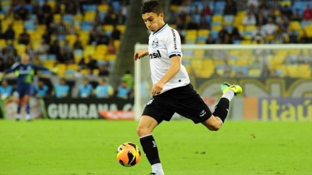 Brezilyalı yıldız Galatasaray'a geliyor! Kulübü açıkladı