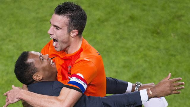 Van Persie becomes all-time top Dutch scorer after 8-1 win