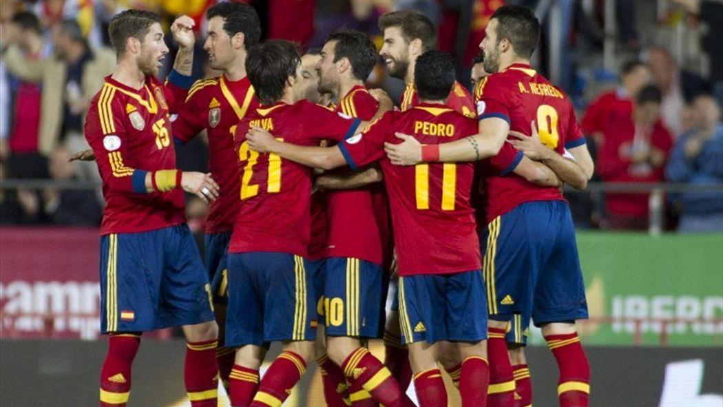 Presentada la segunda equipación de España para Brasil 2014 - Mundial 2014  - Fútbol - Eurosport 245b0ff605dc2