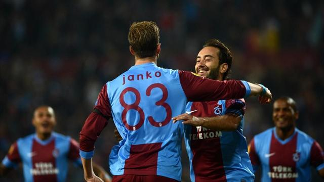 Trabzonspor Legia Varşova maçı özeti golleri izle 2-0 (TS Legia Varşova maç özeti)