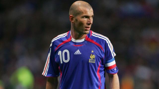 Quiz – A quelles compétitions correspondent ces maillots de l'équipe de France ?