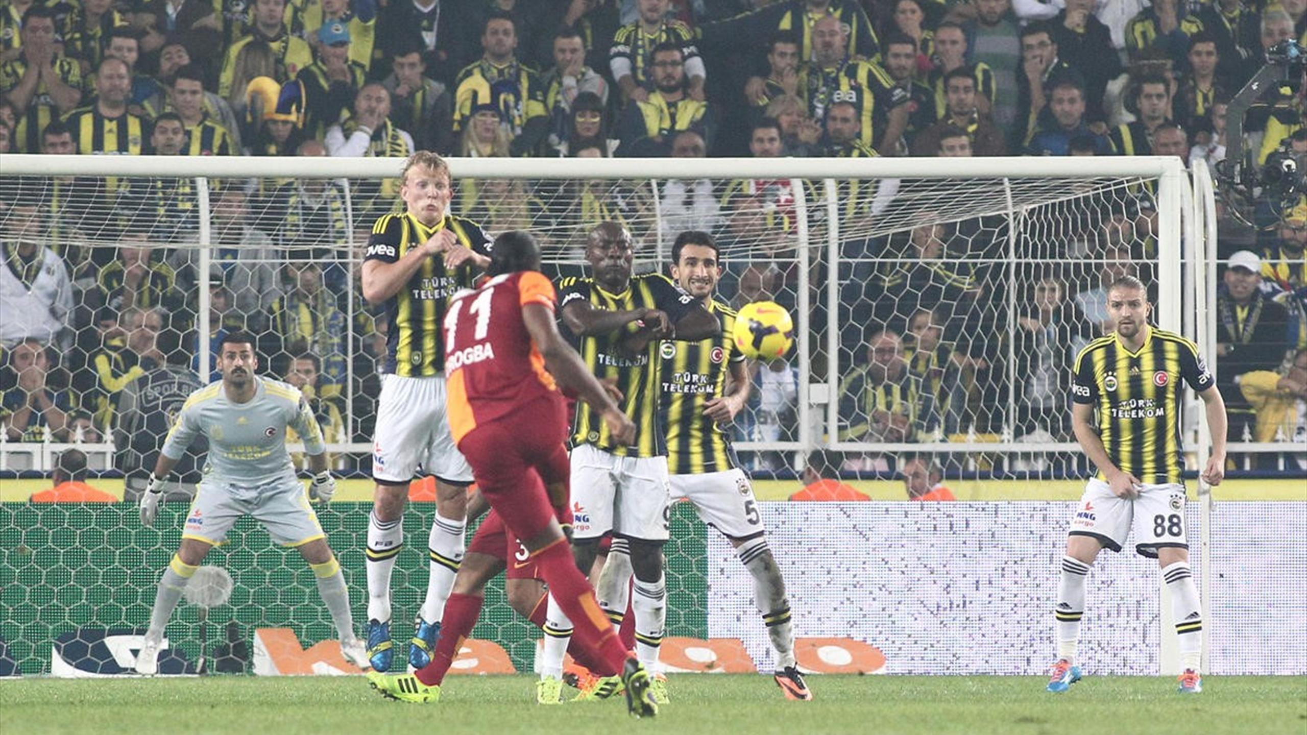 Fenerbahçe'in Kadıköy'de Galatasaray'a Yenilmediği 19 lig maçı 17