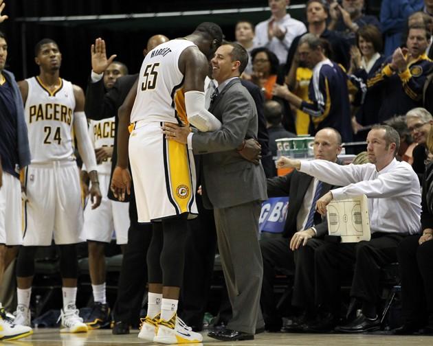 Indiana Pacers baş antrenörü Frank Vogel ve Roy Hibbert