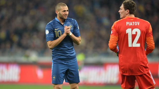 Les Bleus en 4-3-3 avec Varane, Sakho, Cabaye, Valbuena et Benzema