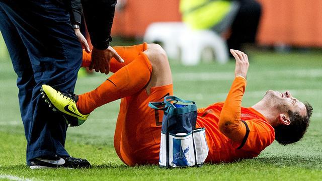 hamburg 39 s van der vaart tears ligaments in dutch friendly football eurosport asia. Black Bedroom Furniture Sets. Home Design Ideas