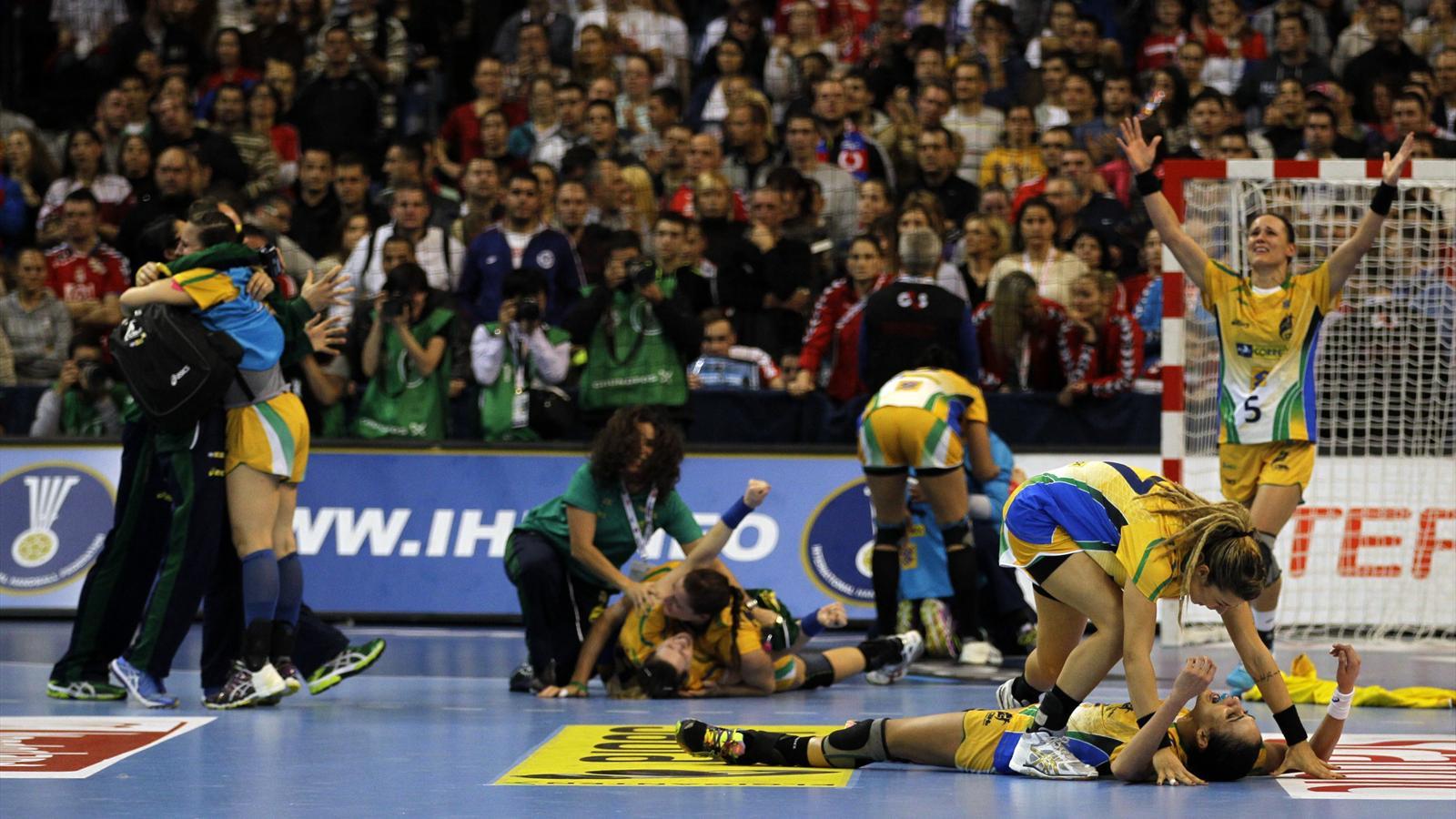 Championnat du monde f minin le br sil douche la serbie 22 20 championnat du monde f - Coupe du monde handball 2013 ...