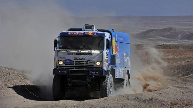 Третий этап «Дакара» в классе грузовиков остановлен из-за плохих погодных условий