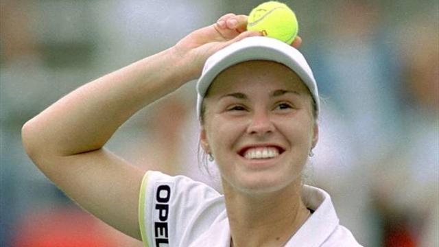 Как Хингис снова стала первой. 7 февраля в истории тенниса