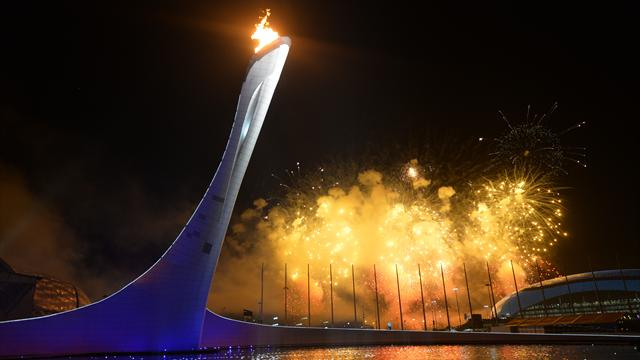Олимпийский огонь зажжен в Сочи
