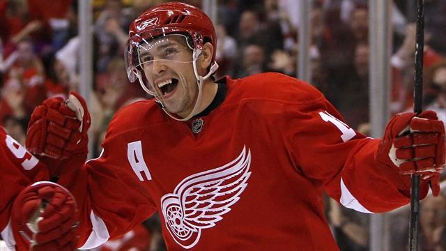 Дацюк перешагнул отметку в 900 очков в НХЛ