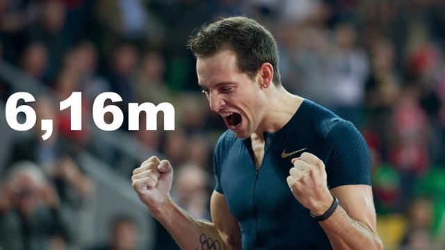 saut la perche renaud lavillenie bat le record du monde de sergue bubka avec un saut 6 16m. Black Bedroom Furniture Sets. Home Design Ideas