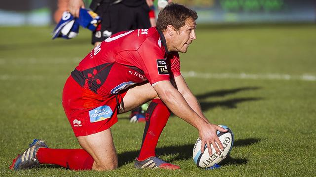 Toulon cruise to victory over Bayonne