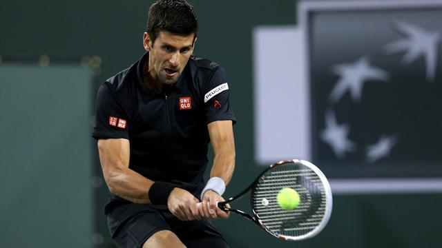 Djokovic eases past Benneteau to make semis