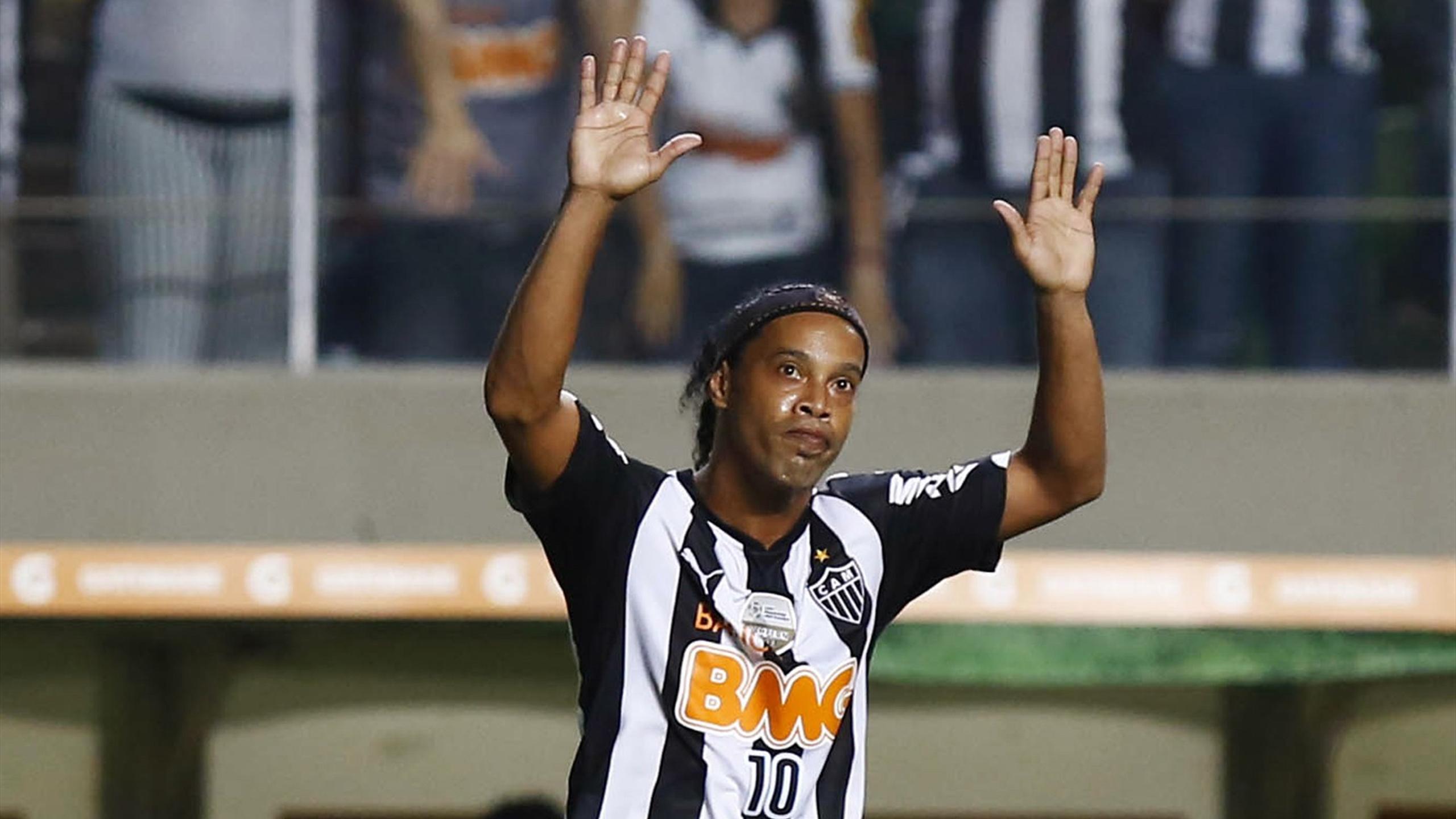 Ronaldinho U0026 39 S Atletico Mineiro Sack Manager South