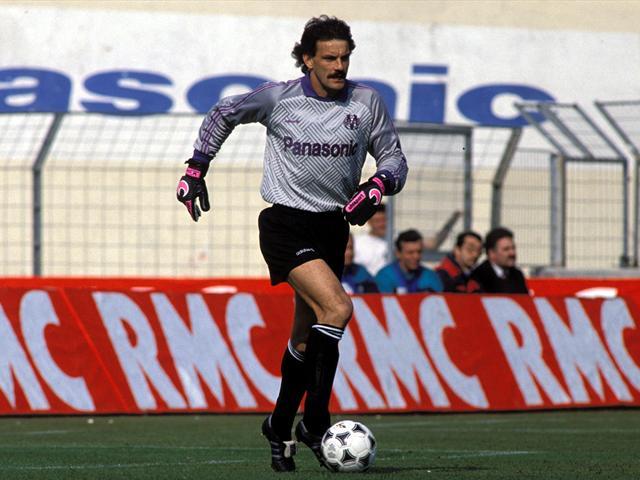Spécial Messi et FCBarcelone (Part 2) - Page 4 1210294-25268745-640-480