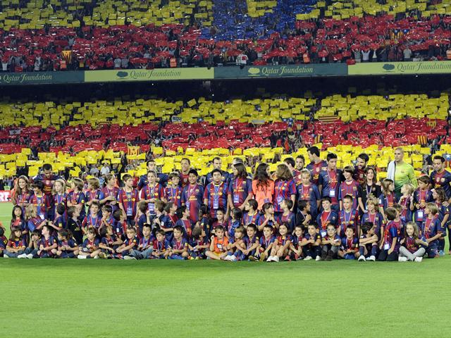 Spécial Messi et FCBarcelone (Part 2) - Page 6 1211897-25299232-640-480