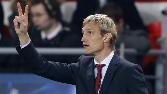Leverkusen sack coach Hyypia after Hamburg defeat