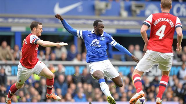 Everton bat Arsenal (3-0) et revient à un point des Gunners pour la quatrième place