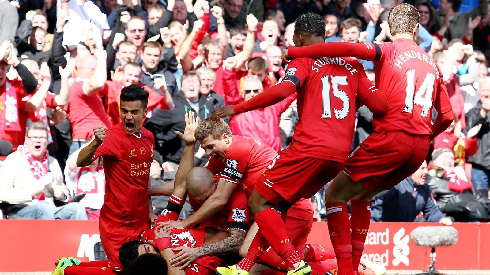 Liverpool players celebrating imago