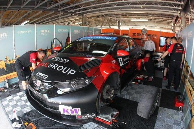 Michelisz Honda Box