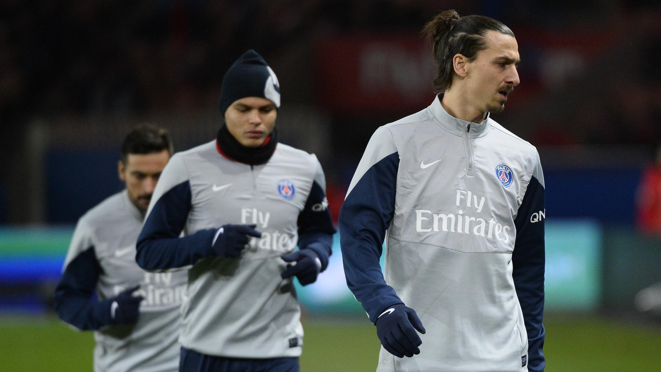 Zlatan Ibrahimovic s'échauffe avec Thiago Silva (PSG 2014)