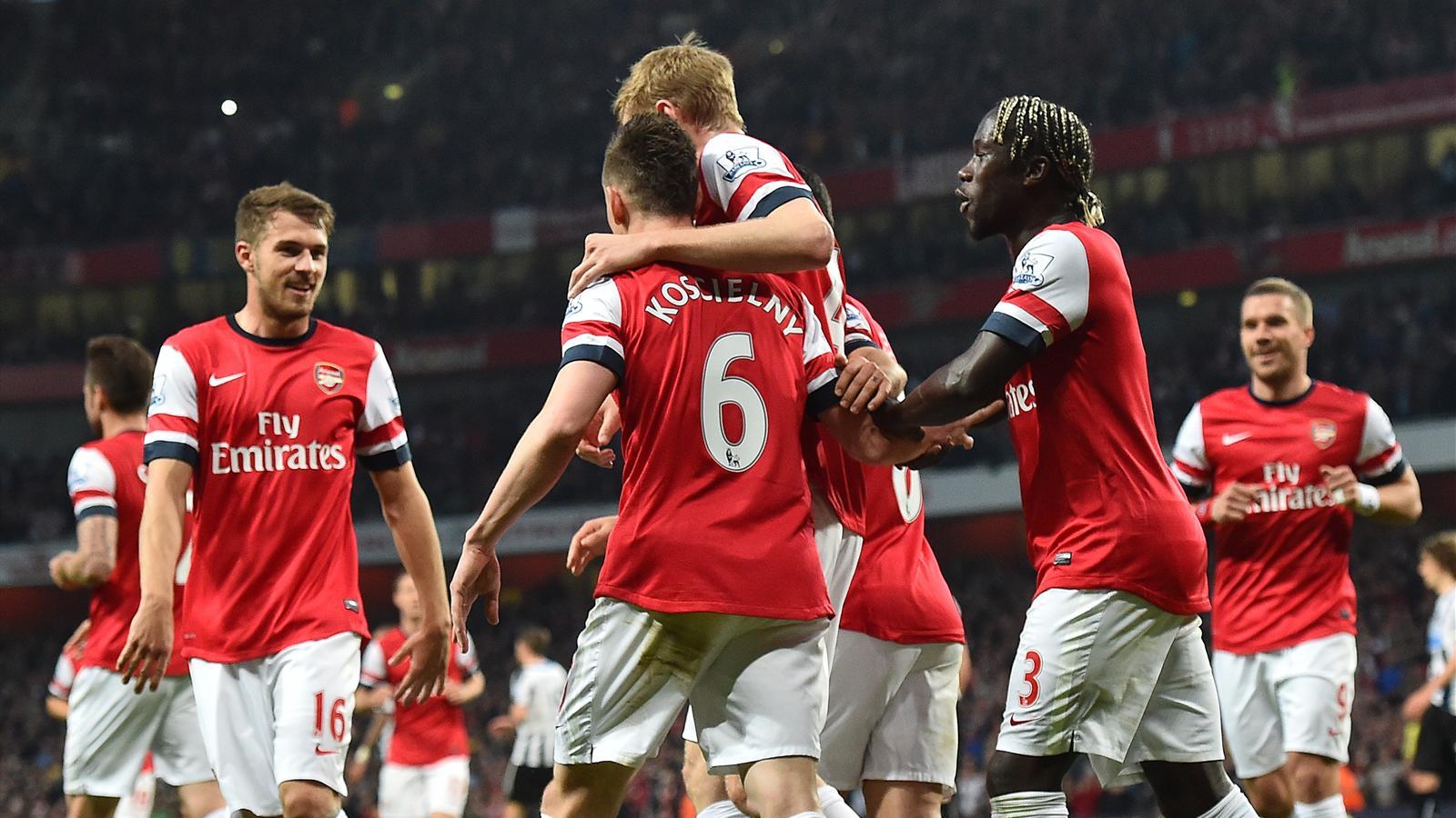 Goal by Laurent Koscielny, Arsenal - Newcastle, 2014