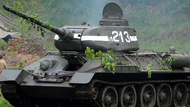 Фанаты московского «Торпедо» собираются в Петербург на танках