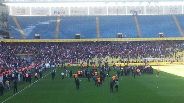 Mersin İdman Yurdu-Samsunspor maçında büyük olaylar!