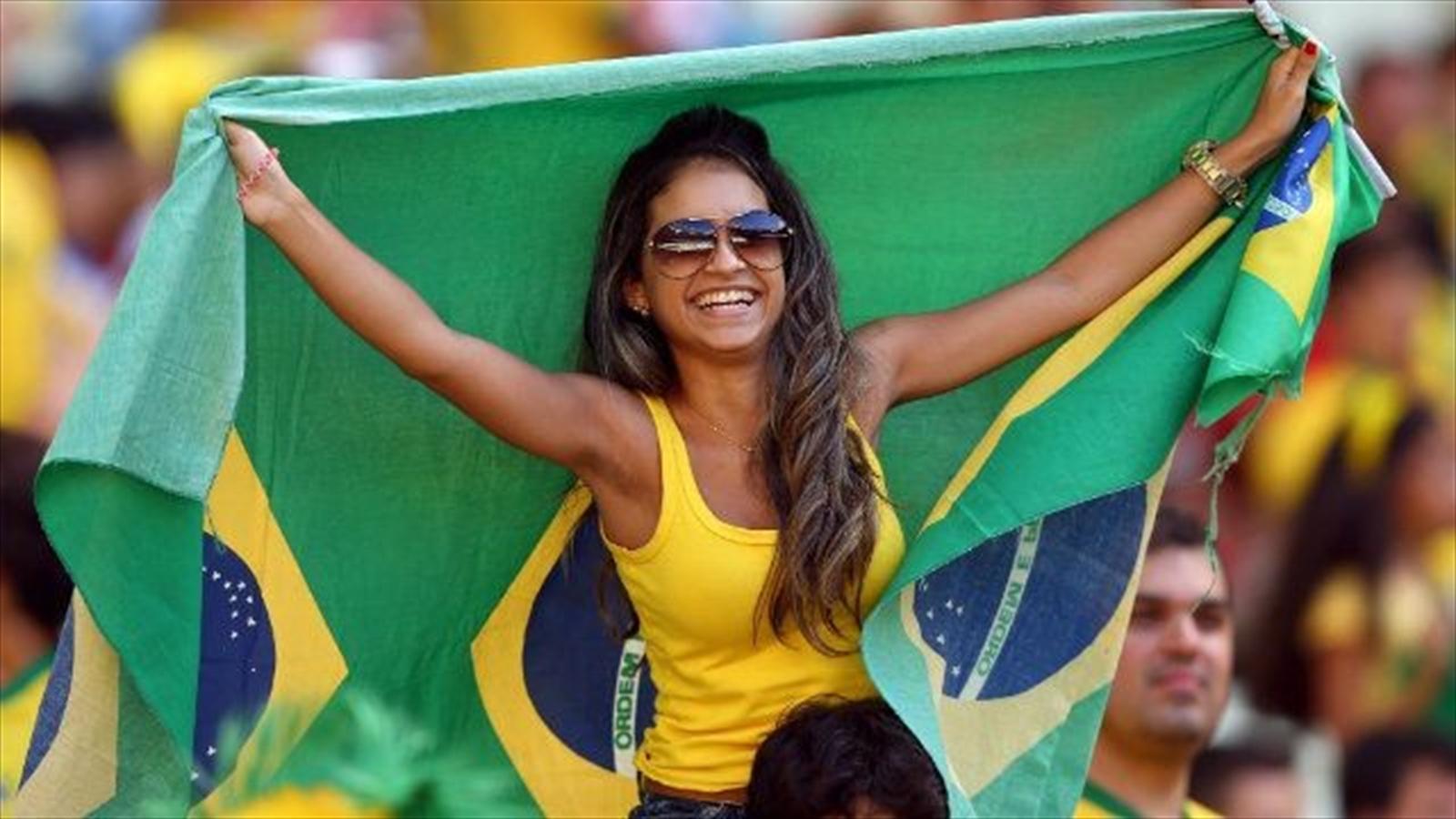 Самые сексуальные бразильские болельщицы 28 фотография