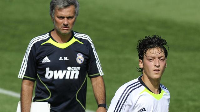Heißes Gerücht: Mourinho will Özil zurück