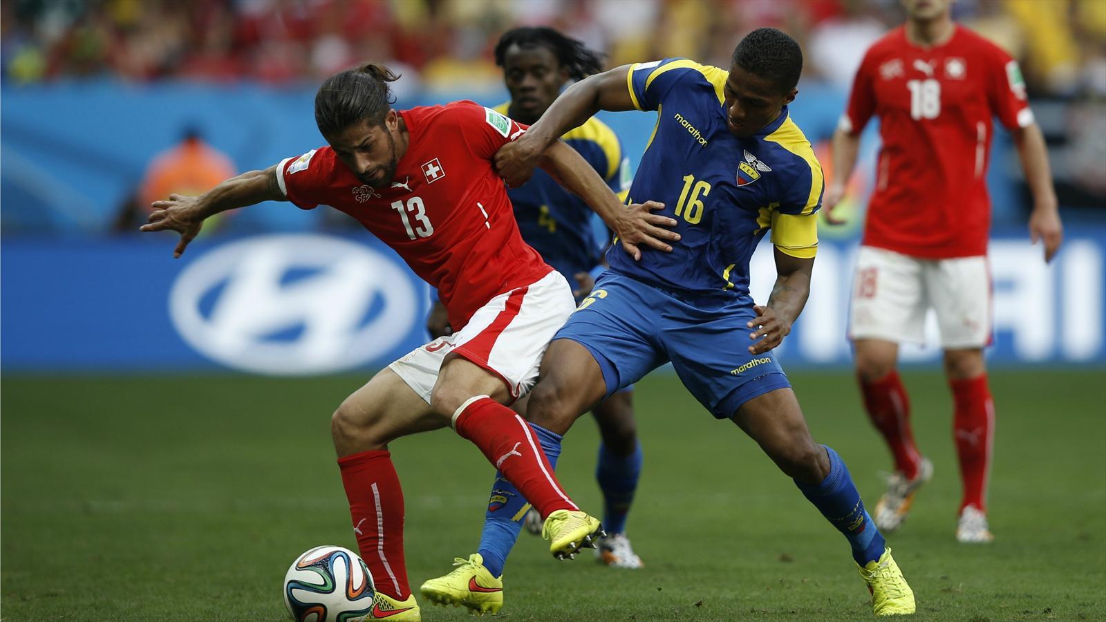 Ricardo Rodriguez, le latéral gauche de la Suisse, lors du match de Coupe du monde face à l'Equateur.