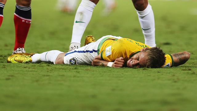 Coupe du monde 2014 neymar br sil touch une vert bre forfait pour la fin du mondial - Classement coupe du monde 2014 ...