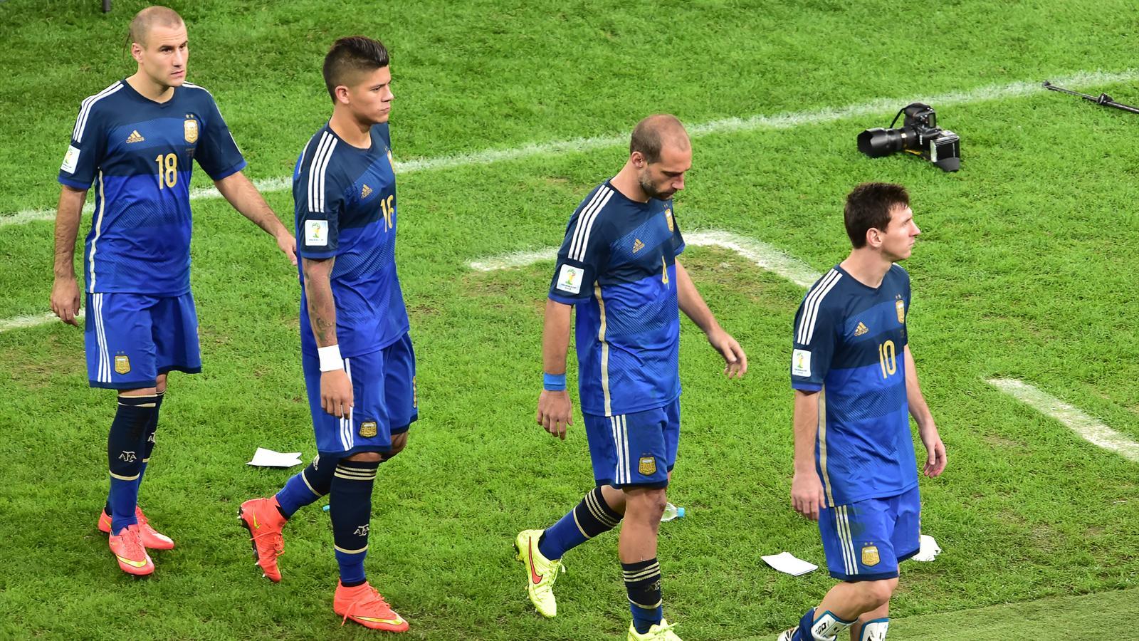 Lionel Messi, Pablo Zabaleta, Marcos Rojos et Rodrigo Palacio après la finale Allemagne - Argentine du Mondial 2014.