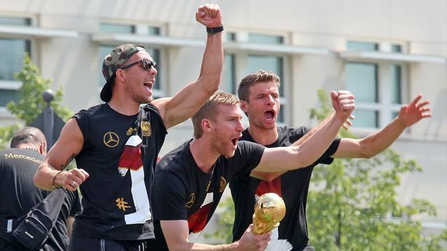 """Müller und Can stützen Mertesacker: """"Sicherlich die Wahrheit angesprochen"""""""