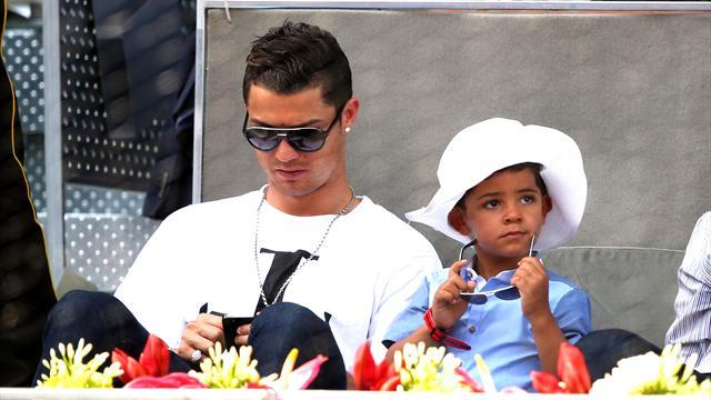 криштиану роналду и его сын фото