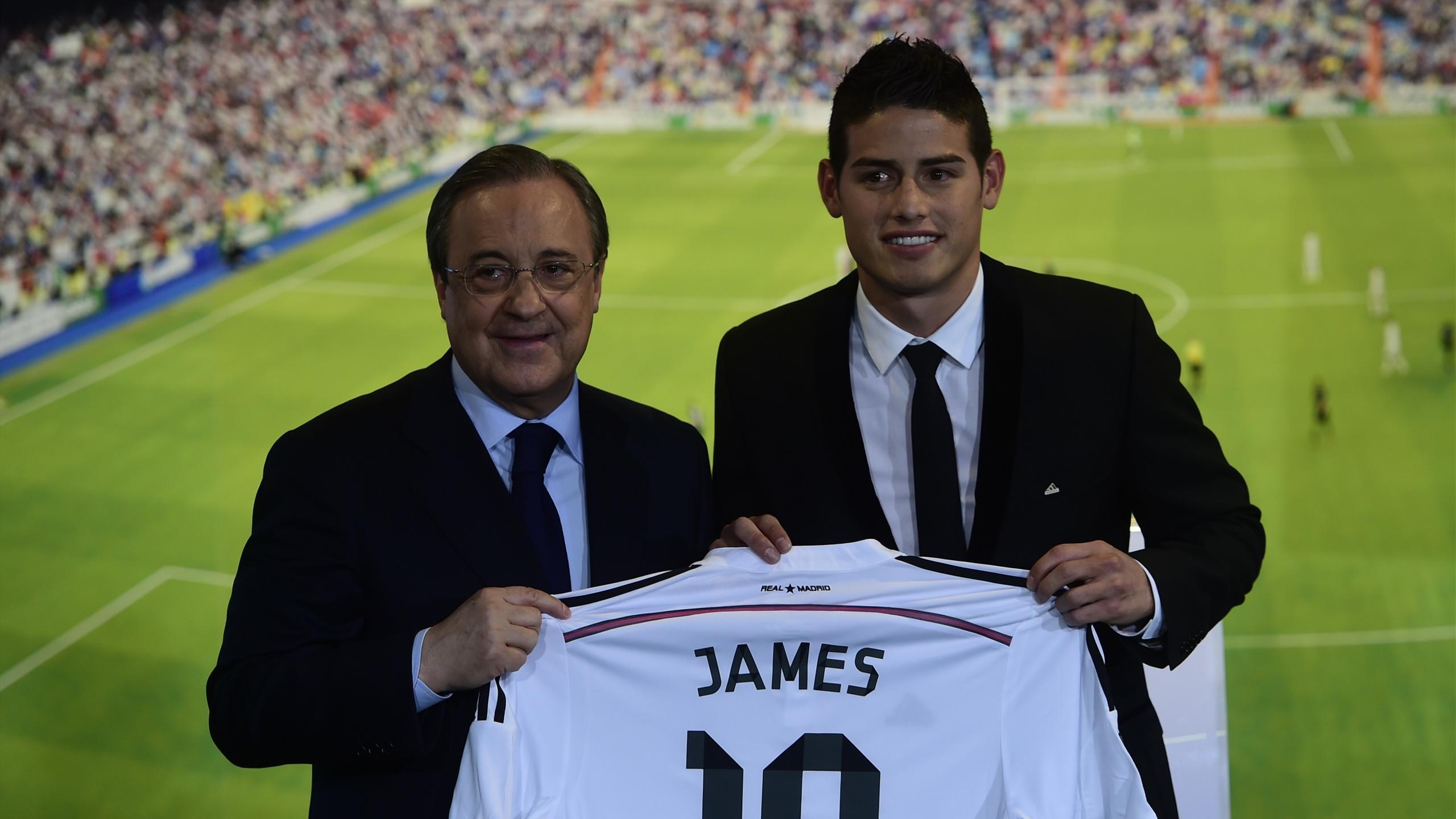 Florentino Pérez et James Rodríguez au moment de la présentation du joueur colombien en 2014